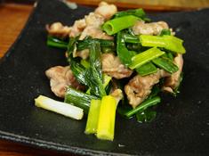 鴨肉と九条ネギの炒め物写真